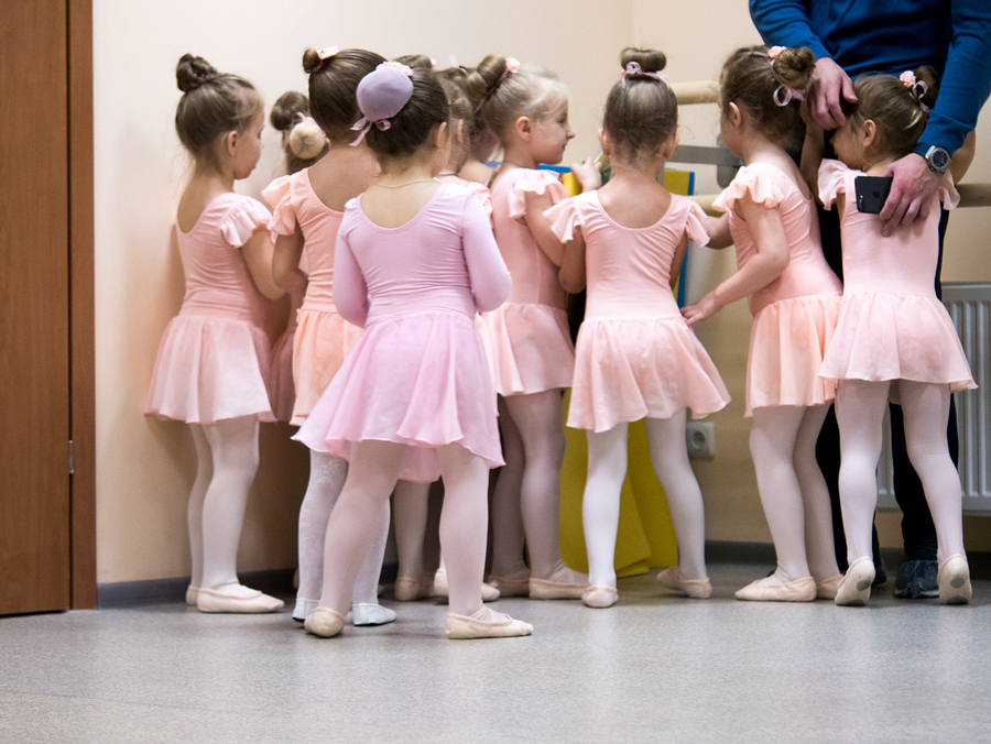 Toddler dance class play