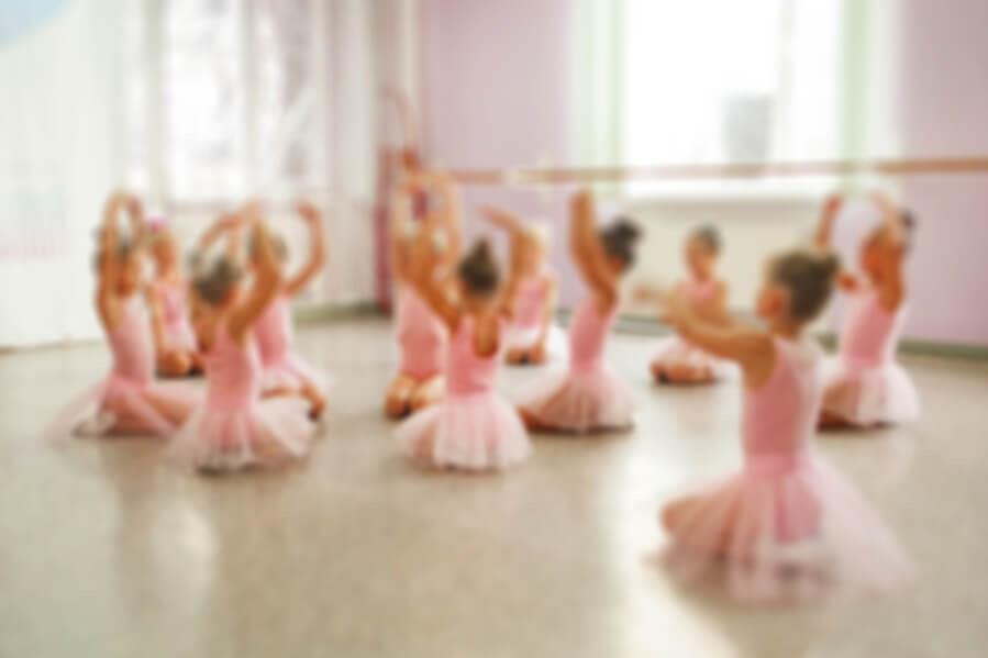 creative kids ballet class environment