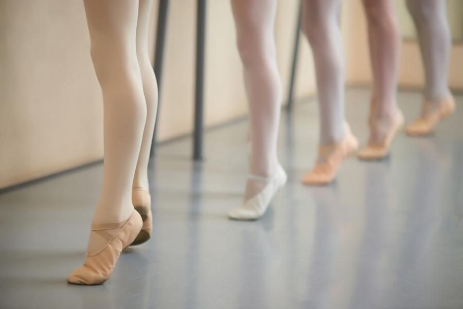 Proper footwork for ballet for kids
